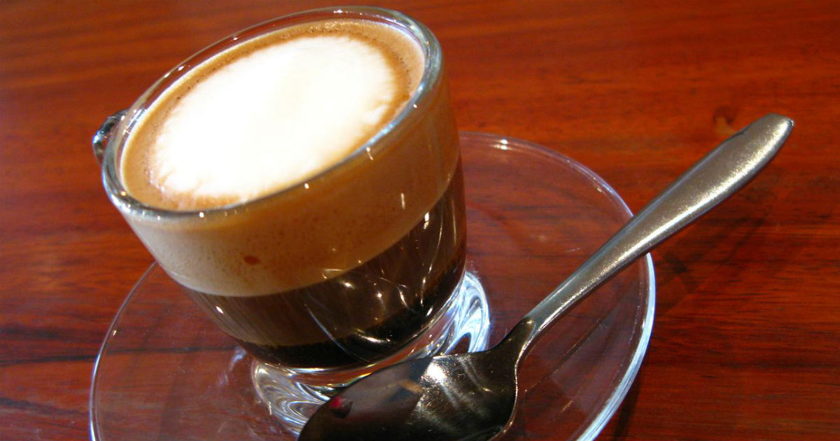 cafe expresso and sustained competitive advantage The advantages and disadvantages of the hr dealings of the managers and how this could affect café expresso will be looked into further into the report, we will explore why café expresso is unable to effectively retain customers and new strategies for recruitment and selection will be recommended.